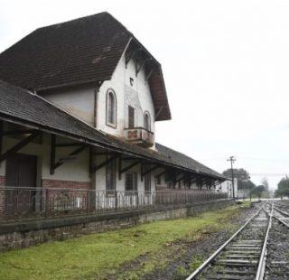 Olhar de fotógrafa: estação x trem